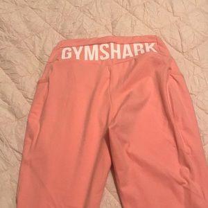 Peachy gym shark leggings
